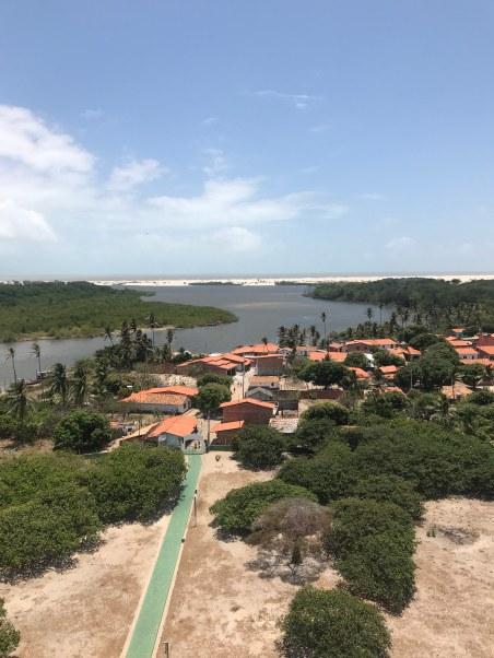 Vista do farol (ao fundo, praia de Caburé)