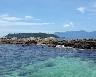 Ilhas Botinas, passeio de lancha