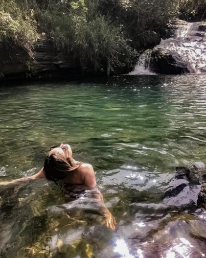 viagens baratas_poço esmeralda_mg