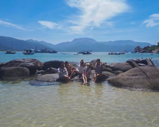 viagens baratas_praia do aventureiro_passeio